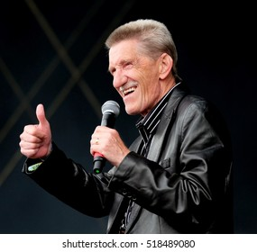 Common People - May 28 2016:  Barry David Elliott  of comedy duo the Chuckle Brothers performing on the main stage at Common People Southampton Festival, Southampton, May 28, 2016 in Hampshire, UK