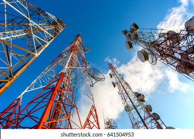 Communication network technology with telecom satellite for connect  social comunicate.
