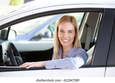 Commuter, Woman driving car