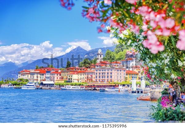 Como See in Italien. Spektakuläre Aussicht auf die Küstenstadt - Bellagio, Lombardei. Berühmtes italienisches Erholungsgebiet und beliebtes europäisches Reiseziel. Sommerlandschaft.