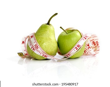 compare an apple to a pear - measuring tape on apple and pear (manual focus)