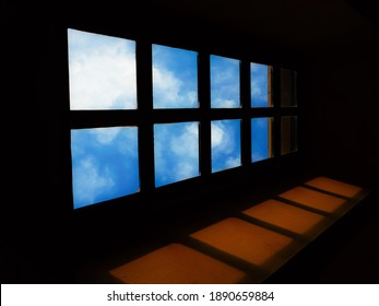 Complementary colors of the corridor window