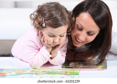 Complicity between mother and daughter