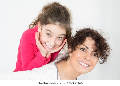 complicity between the mother and her daughter
