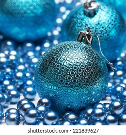 Composition of the Christmas Balls