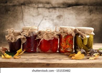 composition of jars od desk