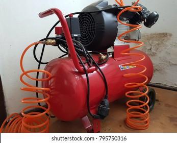 Compressor provides compressed air