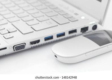 Computer with 4G modem wireless