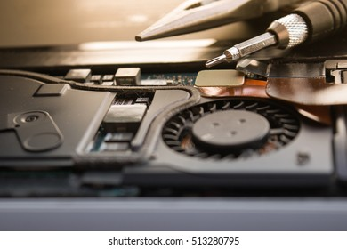 computer laptop repair service electronic