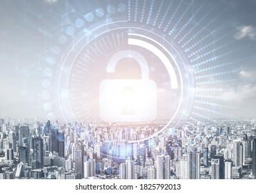 Computersicherheitskonzept und Informationstechnologie. Risikomanagement und professioneller Schutz. Virtual Padlock-Hologramm auf dem Hintergrund der Skyline der Stadt. Innovative Sicherheitslösung für Unternehmen.