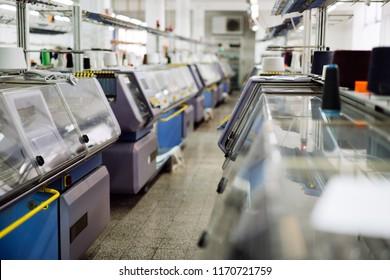 Computerized knitting machines