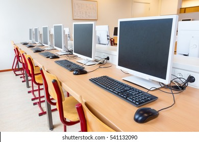 Computers in classroom in high school