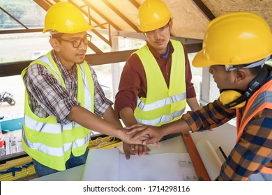 The concept of the construction engineer who is determined to work and is enthusiastic about the job, The operational planning meeting