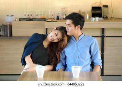 Concept Couples  activities in the coffee shop,Living in store