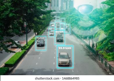 Concept de technologie numérique 4.0 et de chaîne de blocs, signal 5G réseau sans fil, caméra CCTV intelligente des systèmes d'intelligence artificielle, pour surveiller la sécurité routière et mémoriser le comportement du conducteur