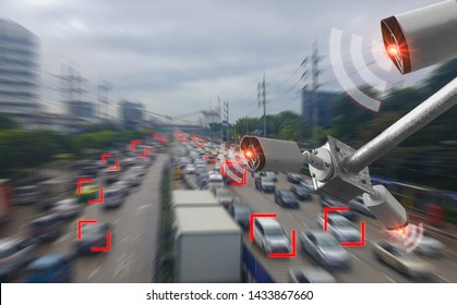 Concept digital technology 4.0,wireless network 5G signal,CCTV  camera intelligent of artificial intelligence systems, to monitor road safety and memorize driver's driving behavior and illegal traffic