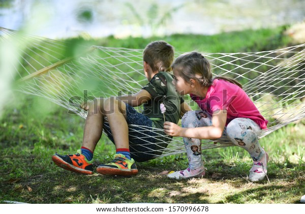 concept-recreation-pastime-summer-childr