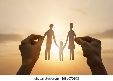 Das Konzept der Unterstützung und des Schutzes der Familie.