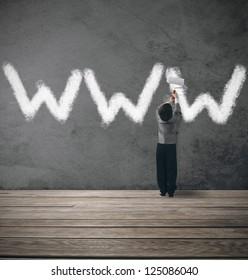 Concept van website onder constructie met jonge zakenman