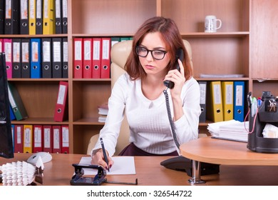 concerned woman listen phone