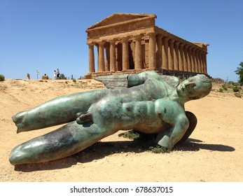 Concordia temple in Agrigento Vally in Sicily; built between around 520 BC and 430 BC. Very impressive archeological site