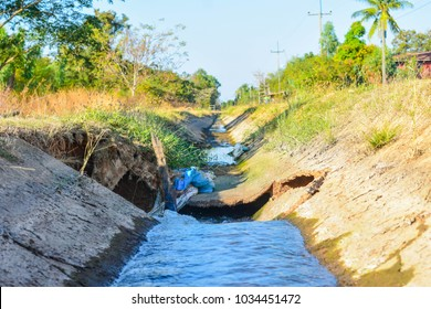 Concrete canal, irrigation canal Damage can not be transferred to the irrigation system.