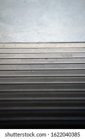 Concrete stairs straight down - HAASTLER
