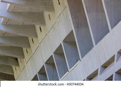 Concrete structure, building