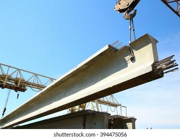 the concrete structure raise the crane