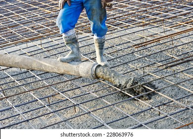 concrete work, pouring cement mortar into formwork