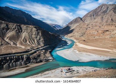 Confluence of Indus and Zanskar rivers.