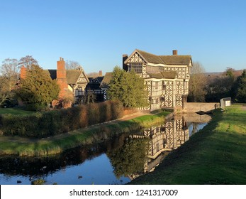 Congleton, Cheshire, Uk. November 18th 2018. The moated Little Moreton Hall on beautiful winters day, Congleton, Cheshire, UK