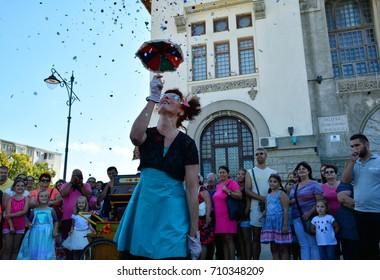 "CONSTANTA, ROMANIA - SEPTEMBER3, 2017. Cirquet Confetti from Spain at  International Street Festival ""Art District "" at Ovidius Square of Constanta city, Romania."