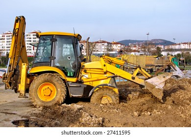 Construction Heavy Equipment - working in mud