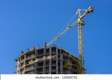 Construction of a house in a picturesque area of Kiev, near the lake and the forest