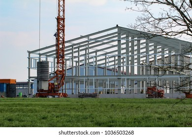 Construction of metal structures of the factory shop