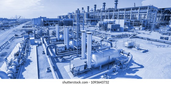 Construction of a modern combined cycle power plant