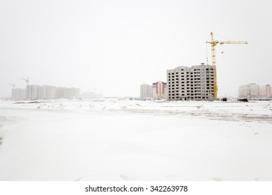 construction of a new multi-storey residential building in the winter season