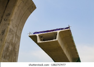 Construction of precast segmental balanced cantilever for KVMRT Kuala Lumpur, Malaysia.