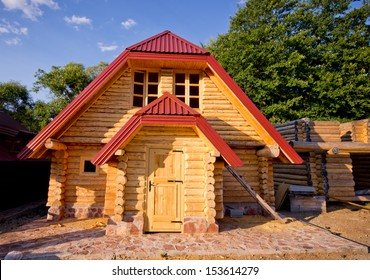 Construction of prefabricated wooden houses