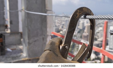 Construction site lifeline safety system