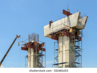 Construction supporting column of concrete bridge