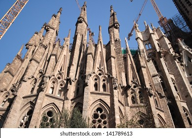 Construction of this cathedral has lasted over a hundred years, it is expected that it may take a second behind.