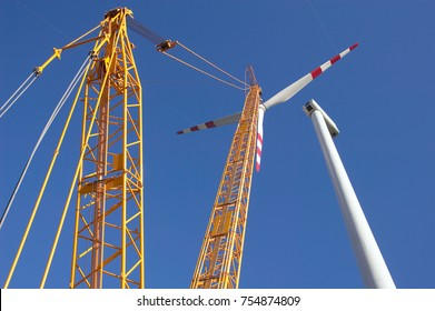 Construction of wind turbine with heavy load crane