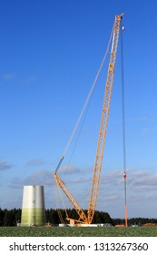 Construction of a windmill with mobile crawler crane