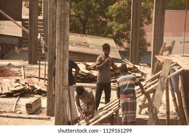 construction worker are doing their job,8july2018,dhaka,Bangladesh