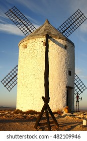 Consuegra, Toledo, geometric composition of windmills, places to grind grain that Don Quixote mistook for giants in the novel of the same name written by Cervantes,