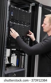 It consultant installing server in datacenter