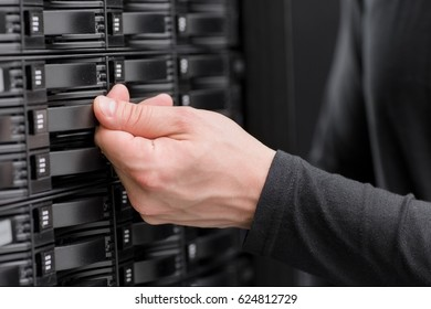 IT consultant maintain large SAN array in datacenter
