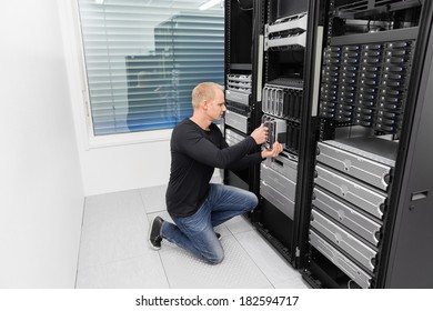 It consultant working in datacenter